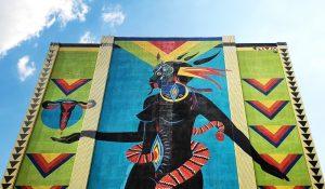 A imagem que ilustra essa notícia é uma obra da artista Criola, feita em prédio no Centro de BH – Foto Fernanda Torquatto G1 MG